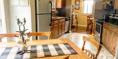 dining-and-kitchen-uplands-lodge